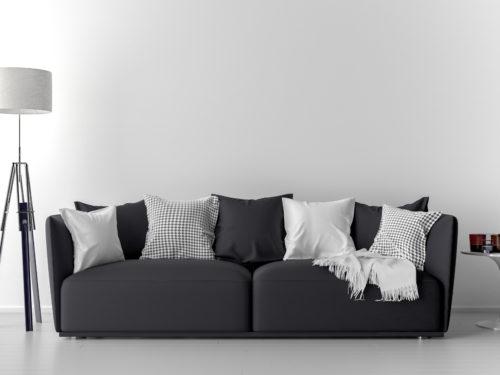 シックな黒色のソファー