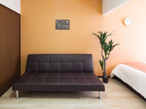 大きめ黒いソファー