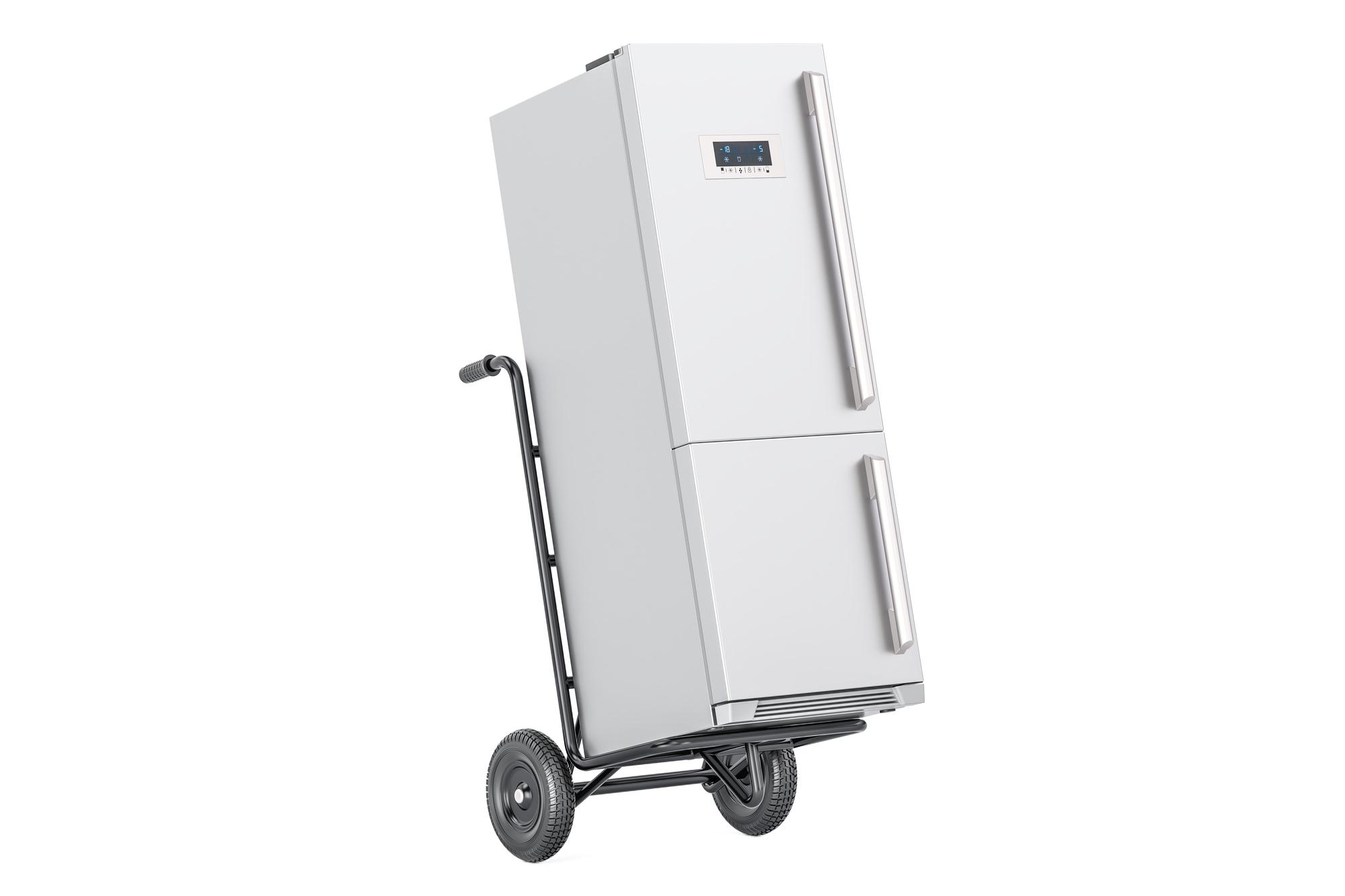 台車で運ばれる冷蔵庫