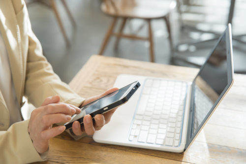 近年話題のデジタル遺品、安全かつトラブルなく整理するための対策