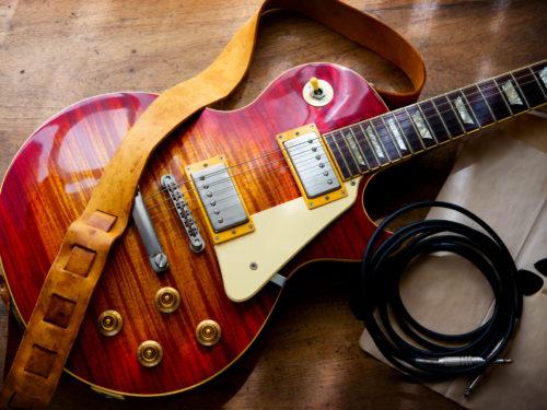 ギターと付属品