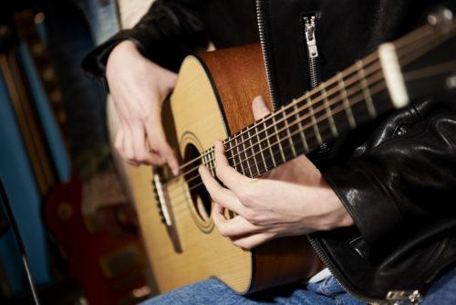 ギターは壊れても買い取ってもらえる?買取相場や高く売るコツを紹介!